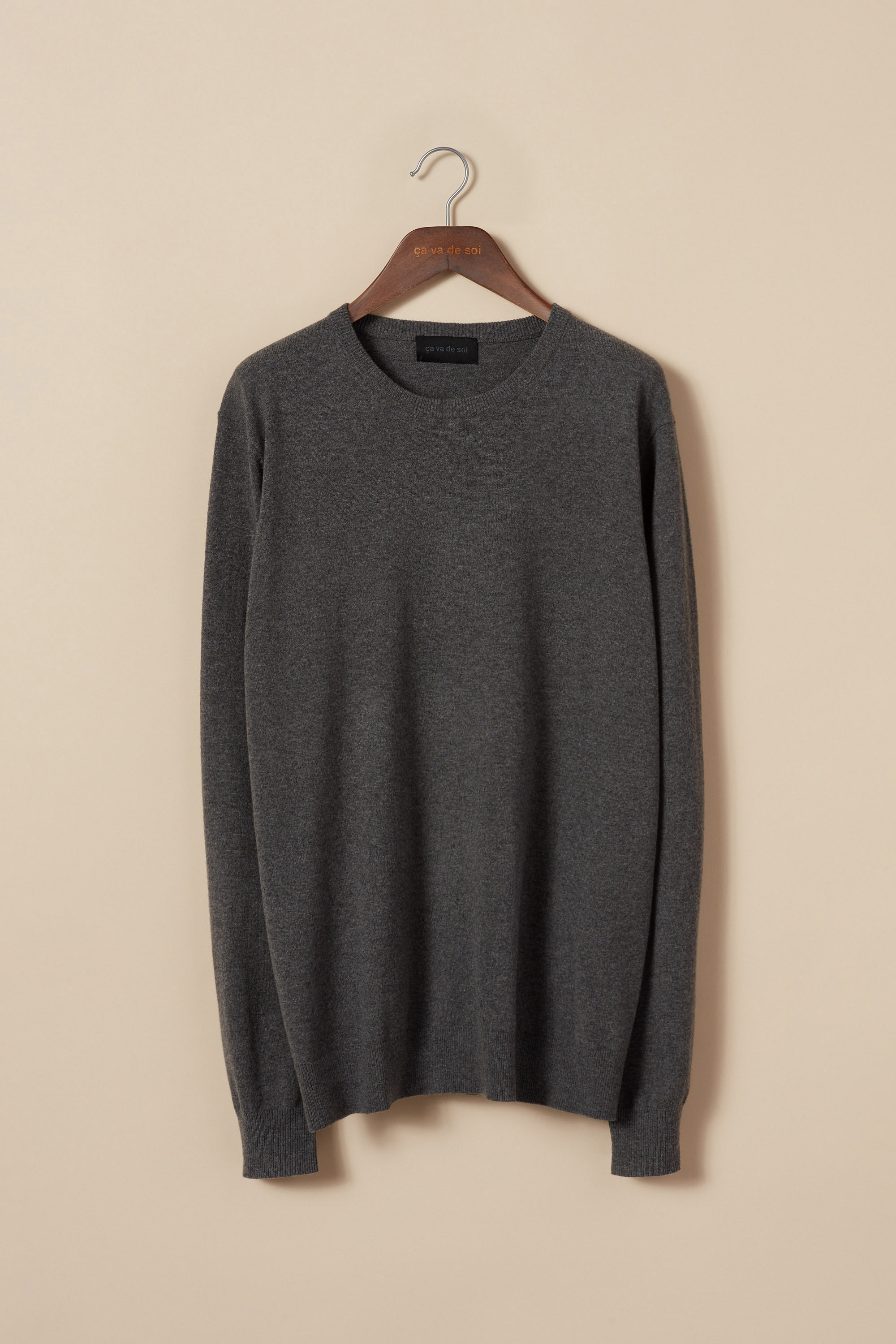 Classic crewneck sweater in finely carded merino wool