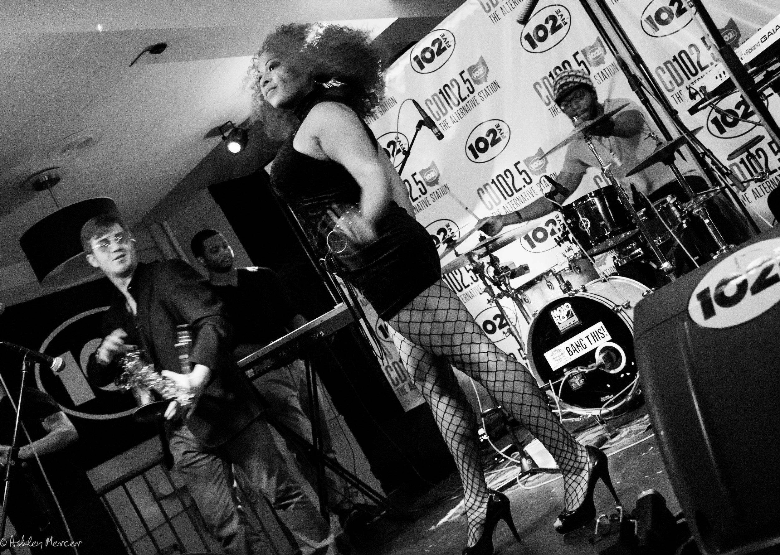mojoflo front stage-41.jpg