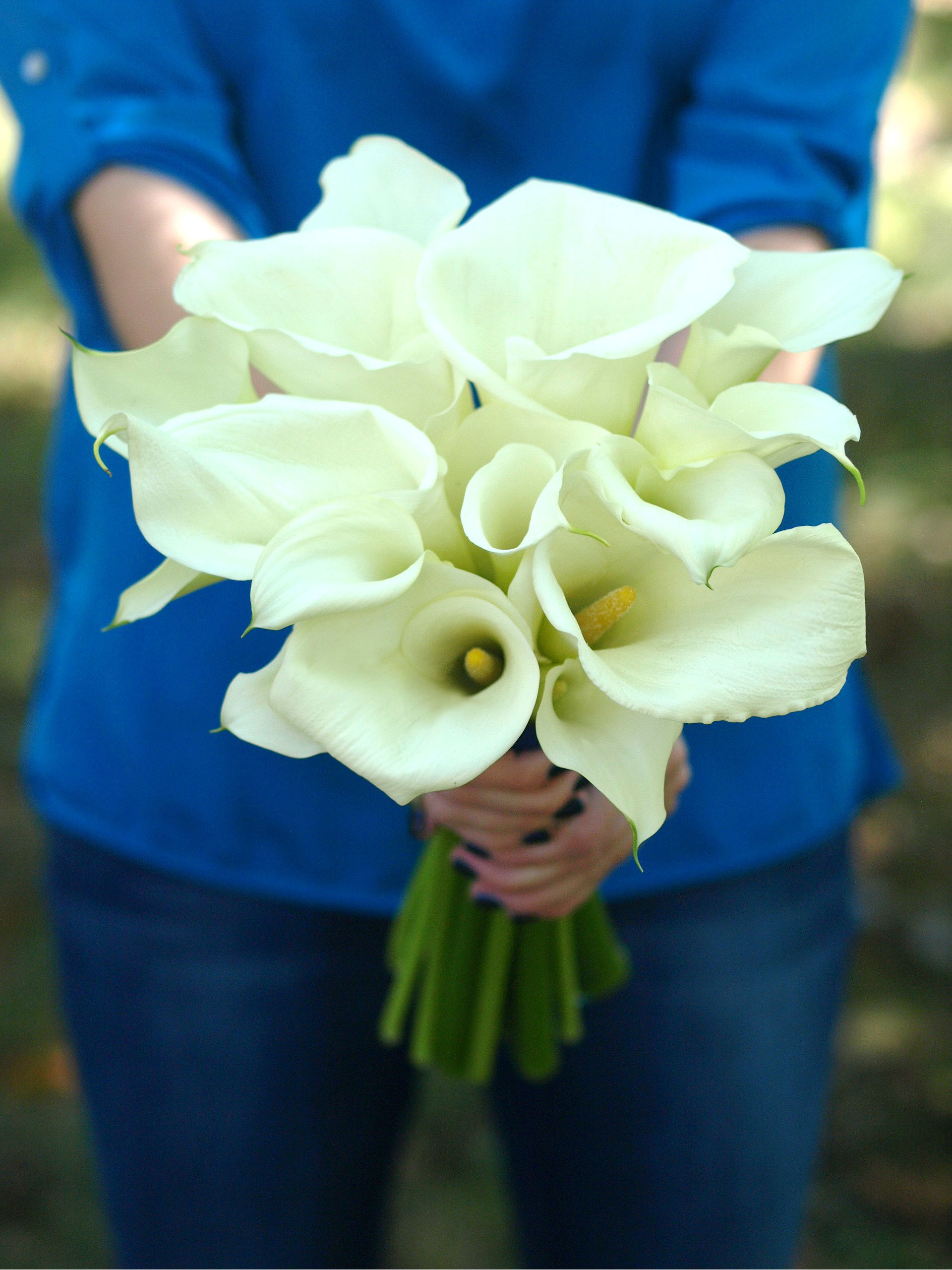Large white cala lilly bouquet