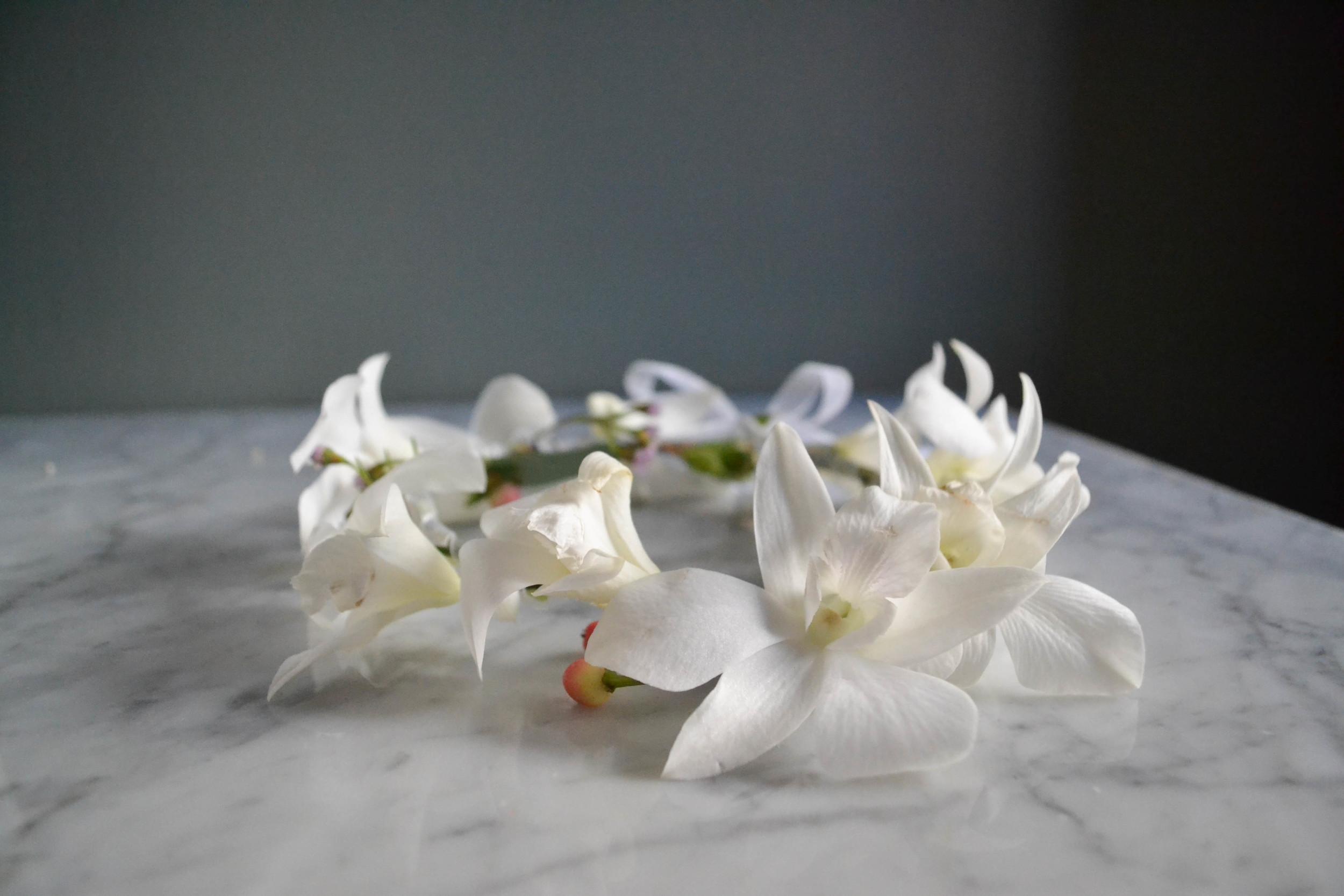 White Dendrobium Orchid Wreath. Inn at New Hyde Park Wedding. Rosehip Social. Brooklyn.