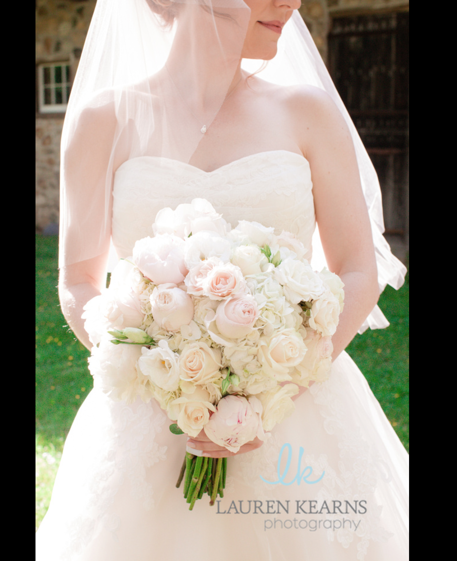 A beautiful round bouquet of imperfect whites