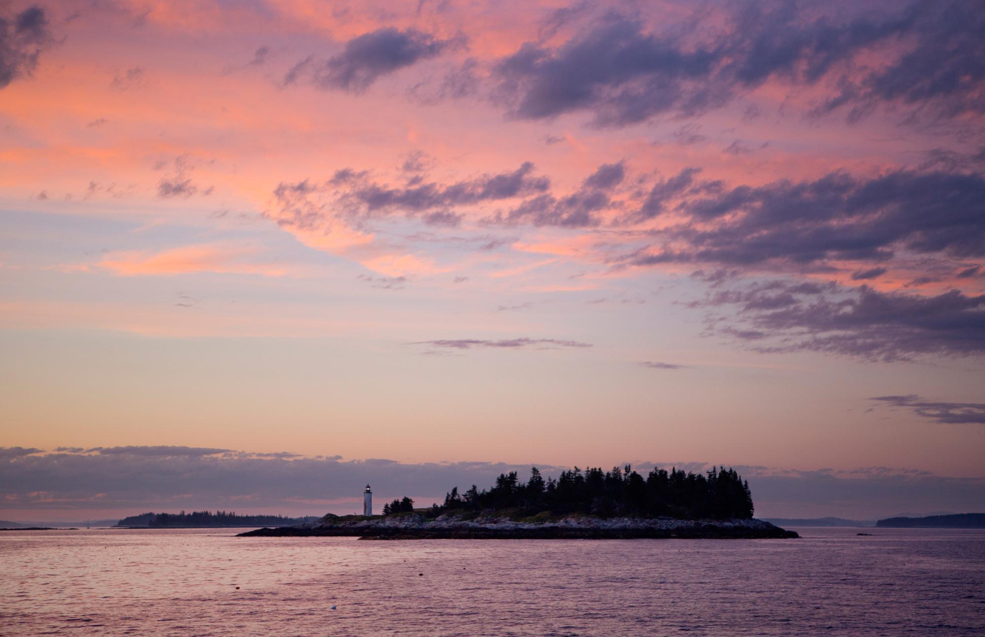 Franklin Island Light - Ariana van den Akker.JPG