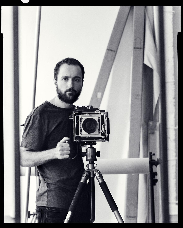 oscar_arribas_autorretrato_selfportrait_portrait_fomapan_100_4x5_film