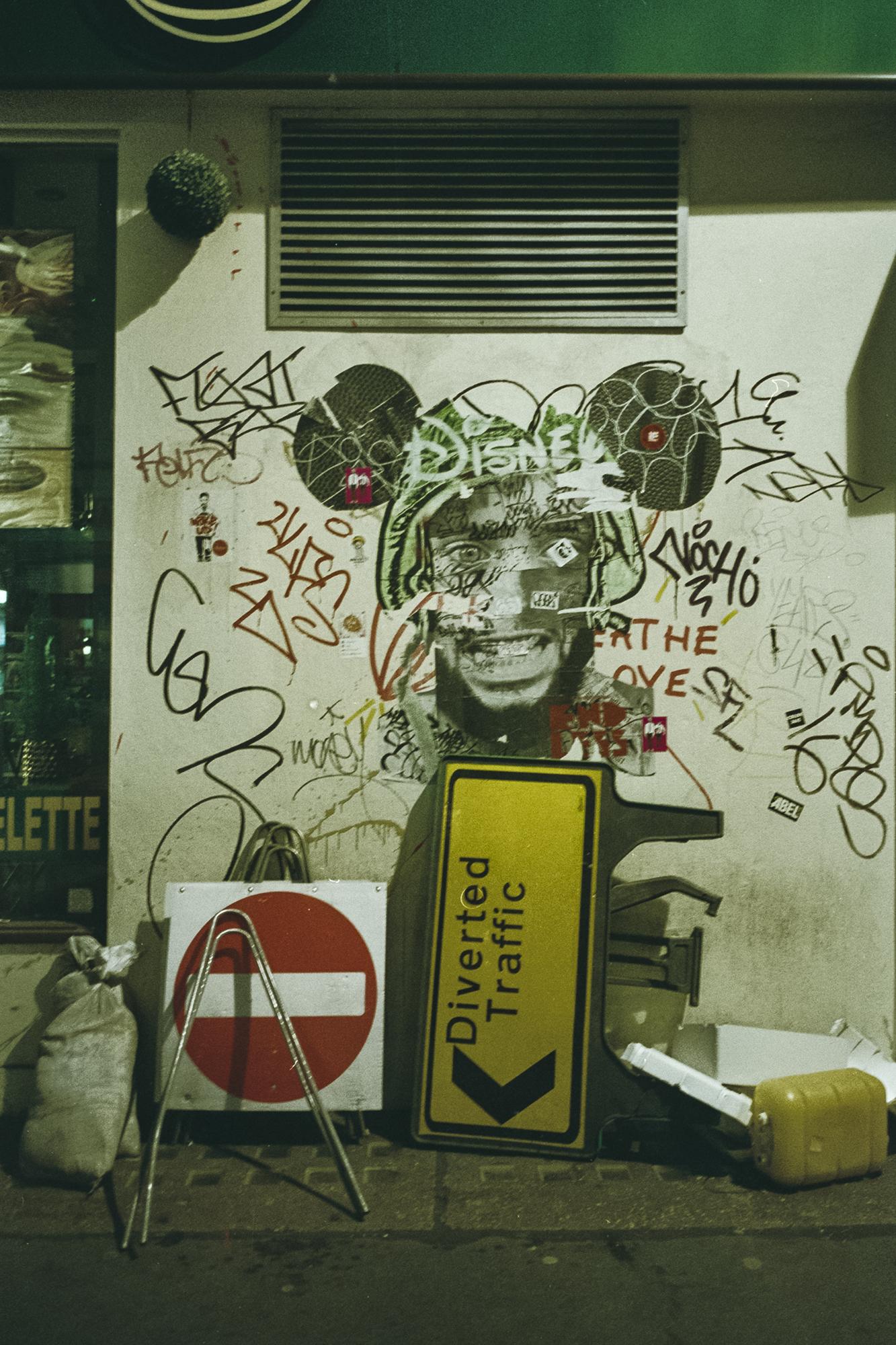 Oscar-arribas-photography-fotografo-portrait-retrato-editorial-london-street-photography-urbana-londres-film-analog-35mm-night-nocturna-59.jpg