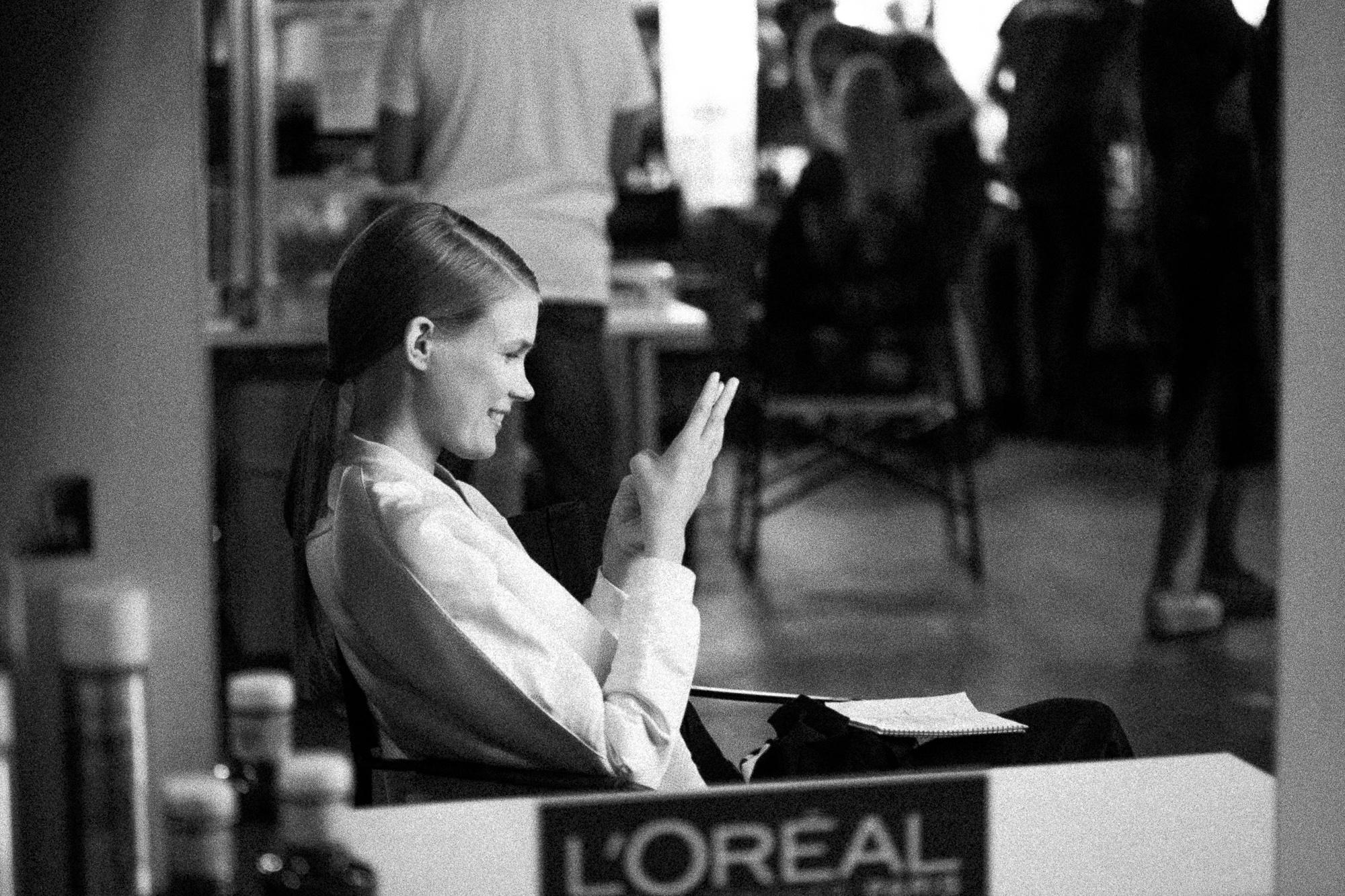 oscar-arribas-beauty-backstage-madrid-fashion-week-cibeles-photography-moda-desfile-fotografo-photographer-portrait-retrato-41__MG_5198.jpg