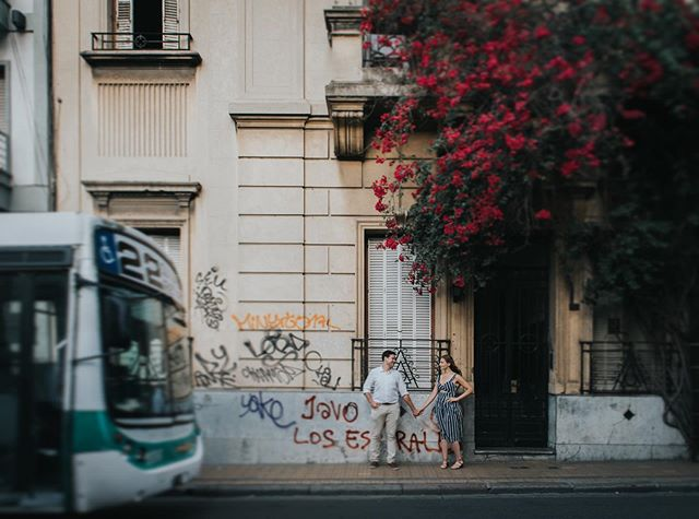 Framing subjects between the urban and the nature. Shot for @flytographer #portrait #urbanphotography #lookslikefilm #nikon #lifestyle #travel #igdaily #buenosaires #santelmo #wanderlust #city #bus #colectivo #life_portraits #lightroom #travelphotography #couplesphotography #lovemyjob
