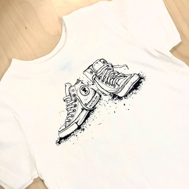 We can't get over the detail on our friend's artwork! Jogathon shirts ready to go 👍🏻👟 . . . . . #screenprinting #artwork #design #graphics #tshirt #shoes #ink #inklife #ahavadesign316