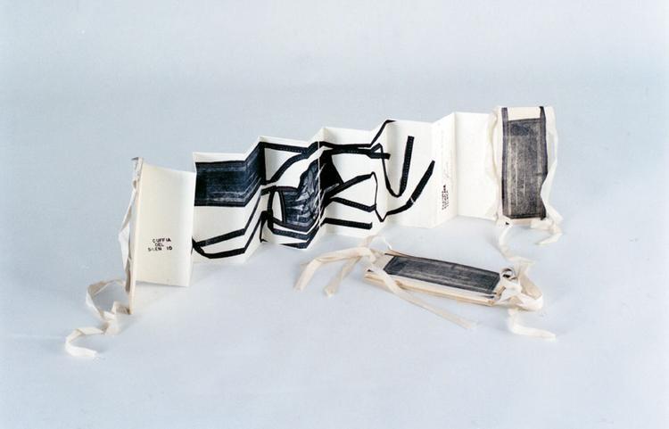 La cuffia del silen-io   2002 - Ceramolle su zinco, cm 22x120