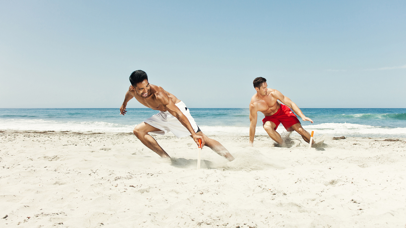 Guys doing crossfit on the beach. san diego lifestyle photography, san diego lifestyle photographer, southern California lifestyle photographer, California lifestyle photographer, lifestyle photo