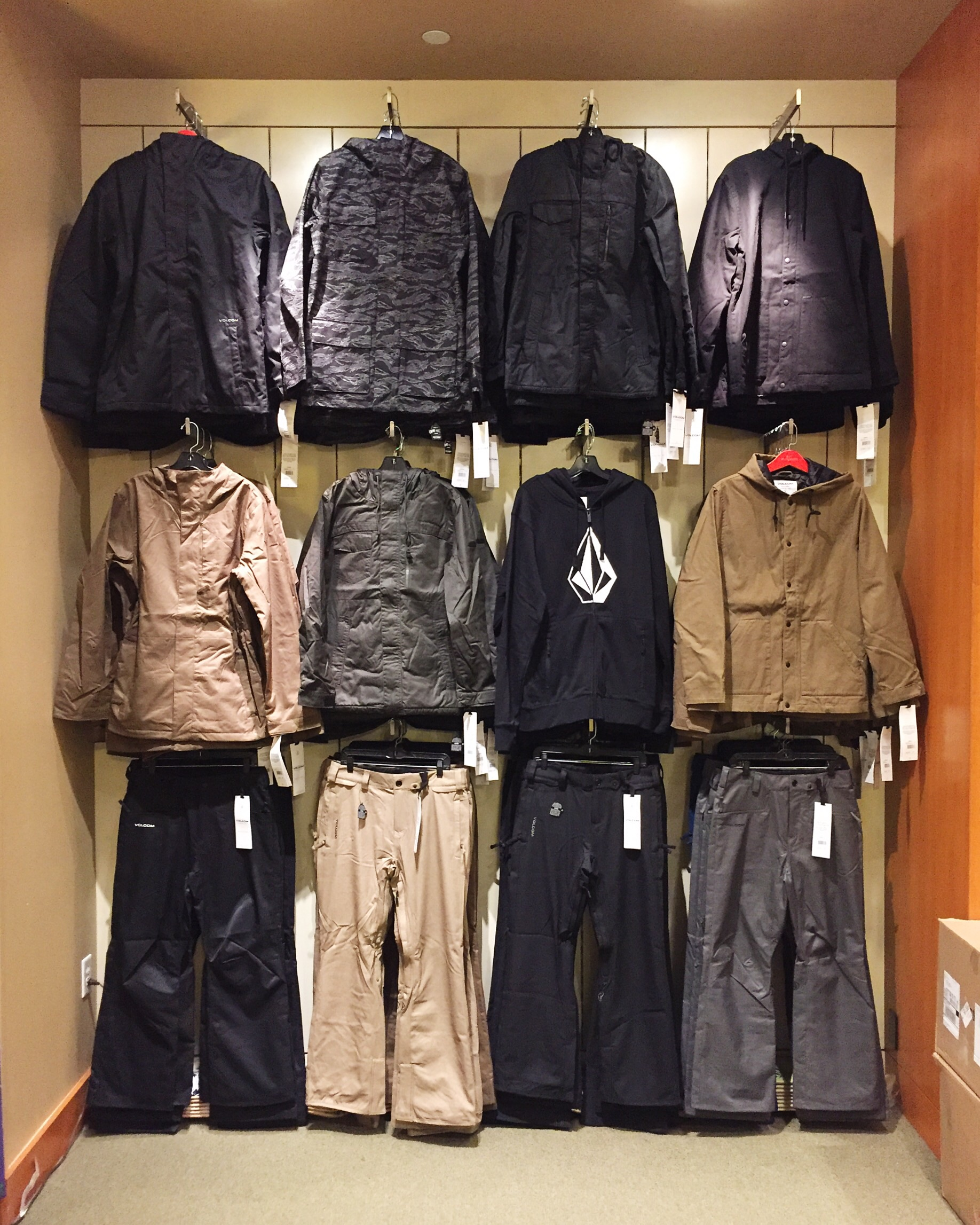Snow gear is starting to roll in. This years Volcom is looking good!!