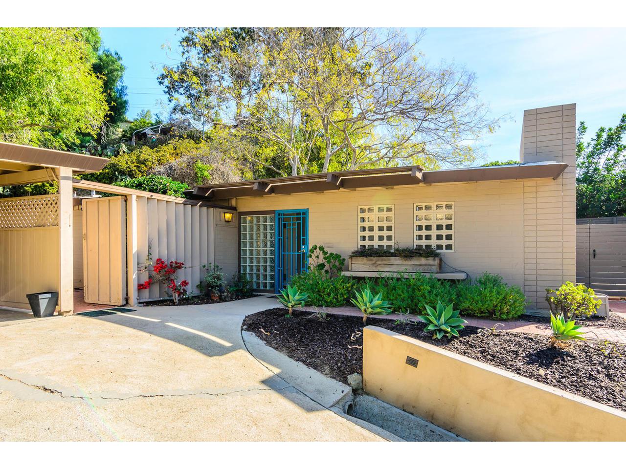 3065 Eagle St San Diego CA-MLS_Size-002-3065 Eagle Street San Diego CA-1280x960-72dpi.jpg