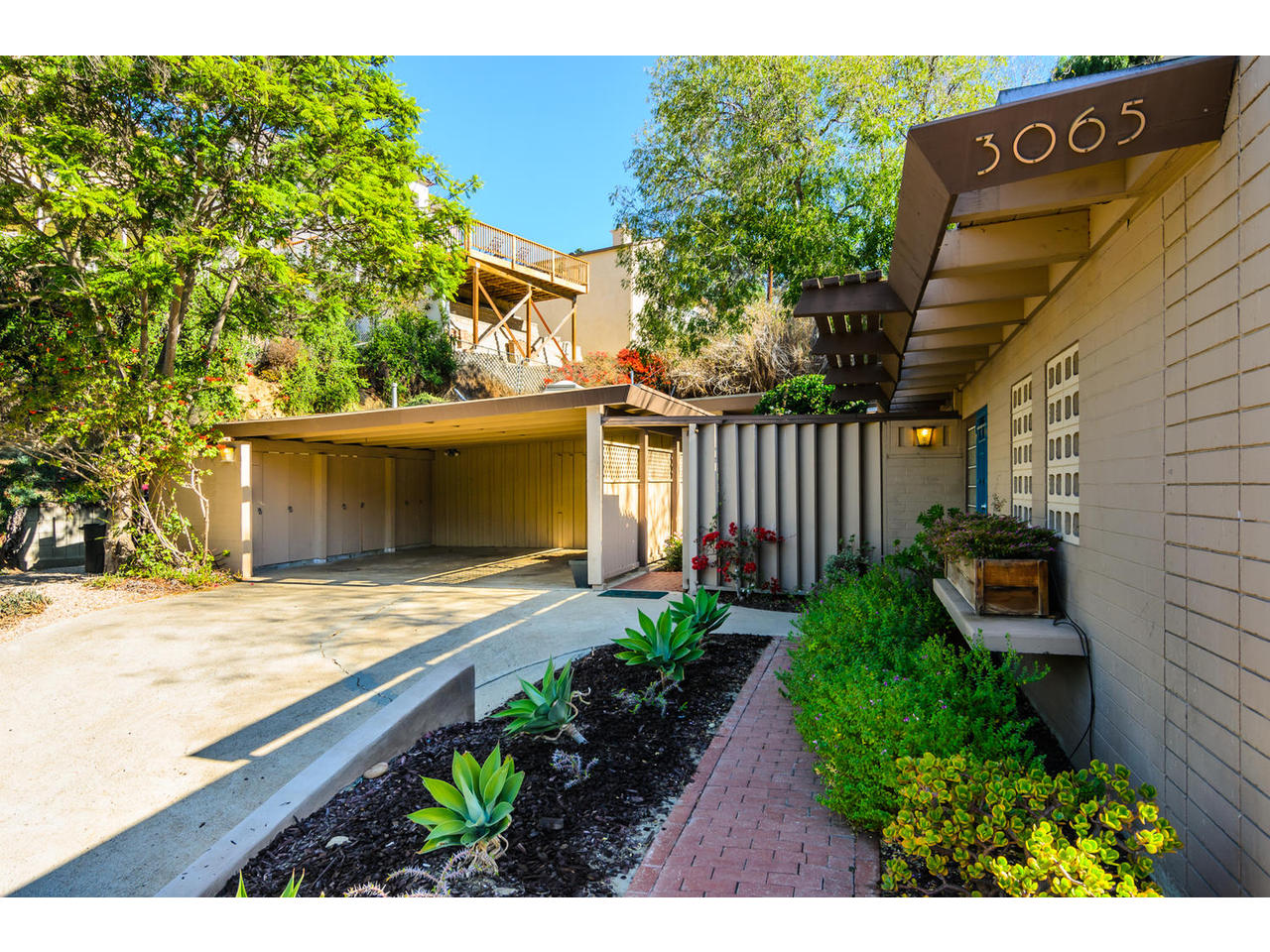 3065 Eagle St San Diego CA-MLS_Size-004-3065 Eagle Street San Diego CA-1280x960-72dpi.jpg