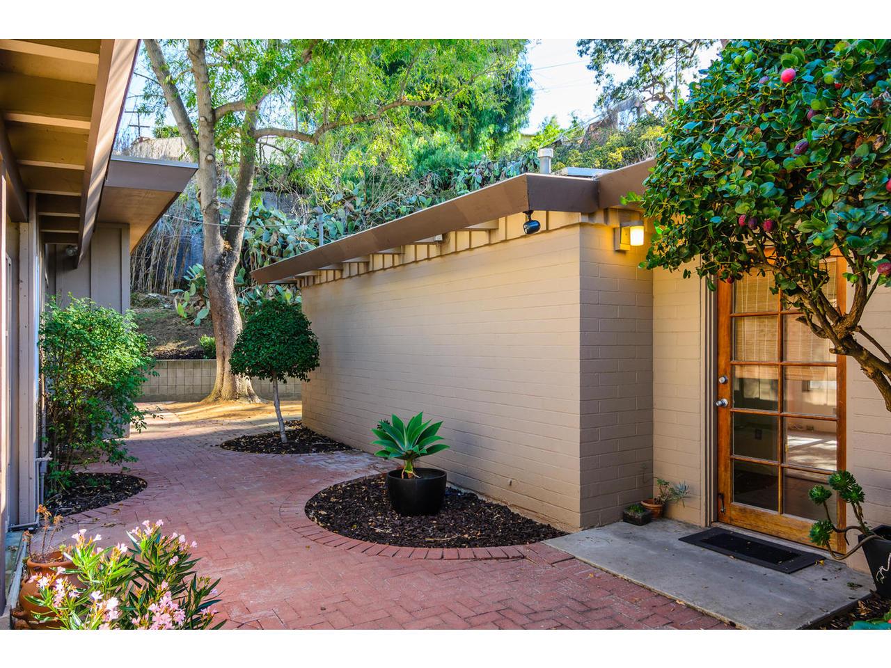 3065 Eagle St San Diego CA-MLS_Size-021-3065 Eagle Street San Diego CA-1280x960-72dpi.jpg