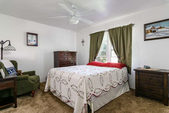 4670 Parks Ave La Mesa CA-small-014-14-4670 Parks Ave La Mesa CA-666x447-72dpi.jpg