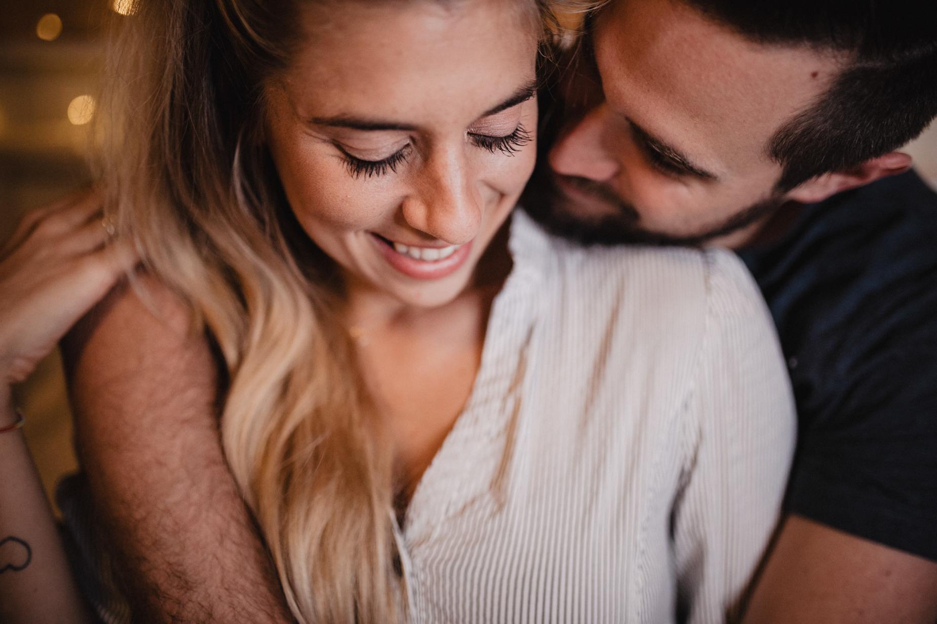 Homestorie-Paarshooting-Basel-Couplesession-Fotoshooting-Verlobungsshooting-11.jpg