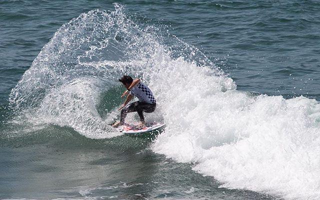@gonyzubizarreta throwing some spray. . @vansusopen #vansusopenofsurfing #surf #surfer #surfing #surfboard #waves #water #ocean #spray #california #huntingtonbeach #exit #choose2exit #where2exit #2018 @volcomsurf @wsl @vanssurf