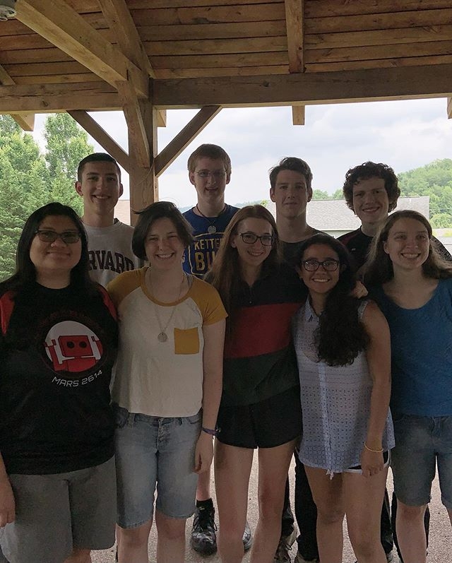 Today was our annual Senior Picnic! We're very fortunate to have many come back to mentor, but it's still a bittersweet moment for all. So much love to our exchange student and seniors, we'll miss you and we hope to see you again. You are our inspiration. ❤️ #martainsmakingadifference #weareMARS #omgrobots #STEMsquad