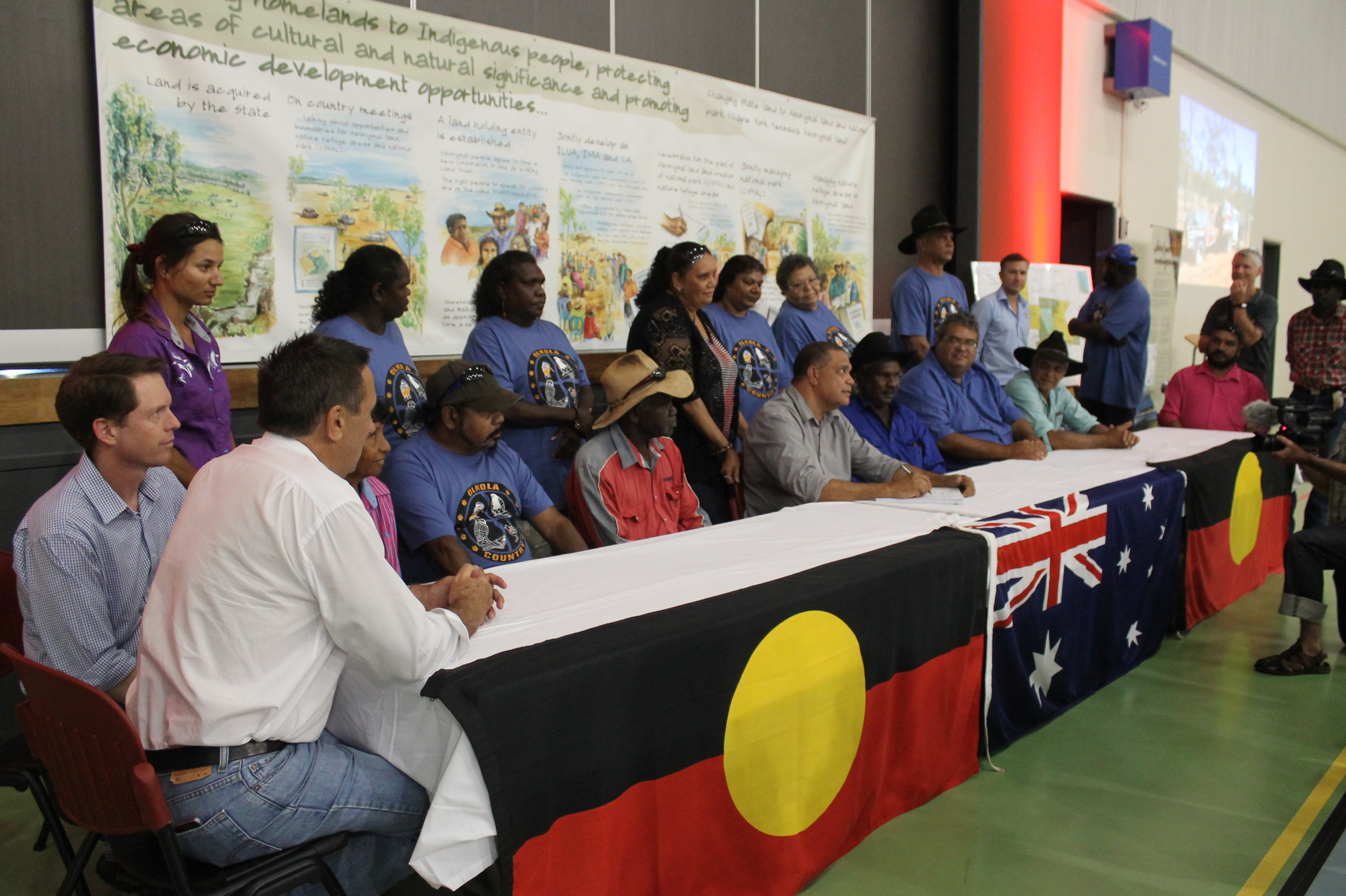 Signing of land hand-back agreement to the Olkola People from Queensland Government