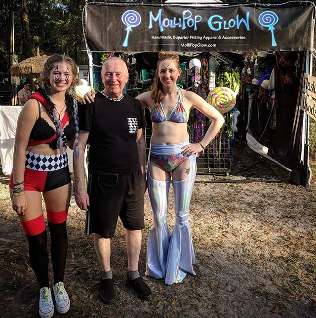 Can't believe this was already 2 weeks ago! This year at @hulaweenfl my Dad joined us in the booth. It was his first festival and it was such a honor to share the experience with him 💜 love you Dad! And we are all wearing @mollipopglow of course 😉 #mollipopglow #handmadeclothing