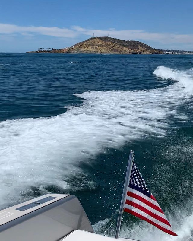 Another beautiful day on the bay aboard the #vandutch #yachting #boat #summer #sdyachtgroup