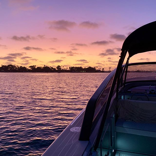 A great night aboard the #vandutch 40 #summer #boatlife #sandiego