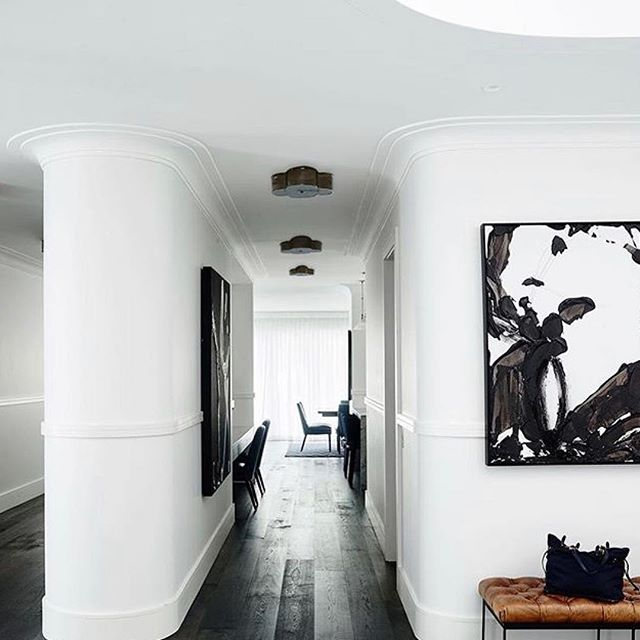 Morning • Taking the simple concept of a hallway and making it look elegant and beautiful with curves. 👌 • • • 📷adesignermind #siobhandonoghuedesign#interiordesign#stylist#melbournestylist#melbournecafedesign#melbourne#colour#color#instagood#architecture#archilovers#interiorarchitecture#luxurylifestyle#interiorinspiration#minimalist#timeless#elegant#lightingdesign#instafollow#chef#worldofinteriors#elledecor#melbourneinteriors#interiorsaddict#kitchendesign#love#fun#homedecor#cool#siobhandonoghue