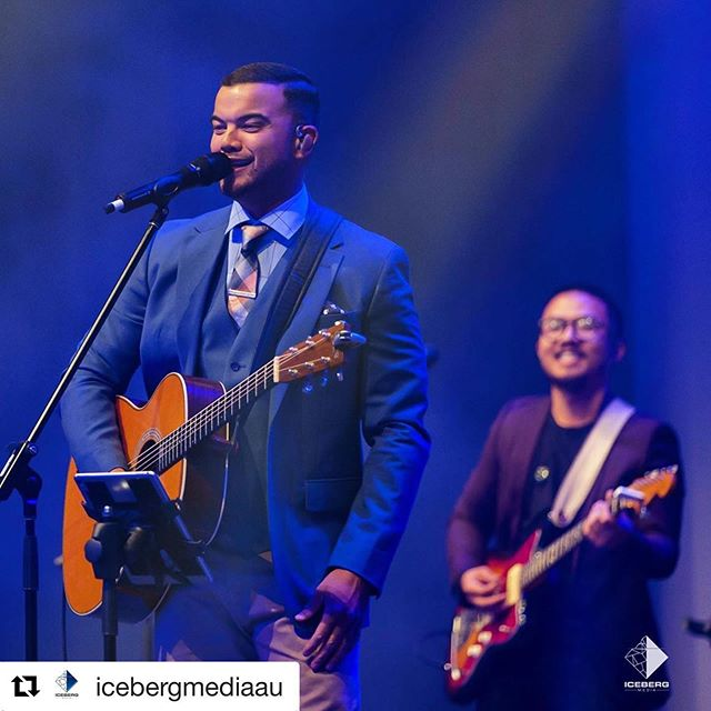 """@icebergmediaau ・・・ """"Cause now you're singing with a choir Now you're dancing with a crew You ain't doing this solo We all ridin' with you"""" - @guysebastian Guy Sebastian released a song called Choir this week in memory of his guitarist/pianist/friend Luke Liang. I remembered capturing Guy's performance and realised we captured a moment with Luke and this just brought us into tears on how beautiful this moment is captured. Bringing us so many emotions and understanding the lyrics even more. #ridinwithyou 🎶 - You guys should have a listen to the song Choir by Guy Sebastian, I don't know about you guys but it brings us out so many emotions for hope. Truly a touching song! 🎤🎶 If any of you guys ever needed someone to talk to we are always open to meet with you and chat. . . . . #mentalhealthawareness #GuySebastian #Choir  #guysebastian #ridinwithyoutour #choir #thevoiceau #australianmusic #australiantour #aussie #aussiemusic #australian #beforeigo #musicnews #concert #tour #liveevents #sydney #melbourne #brisbane #adelaide #perth #perthperformance #Performers #TheVoiceJudge #GuySebastian2019 #LukeLiang #Musicians #PerthLiveMusic"""