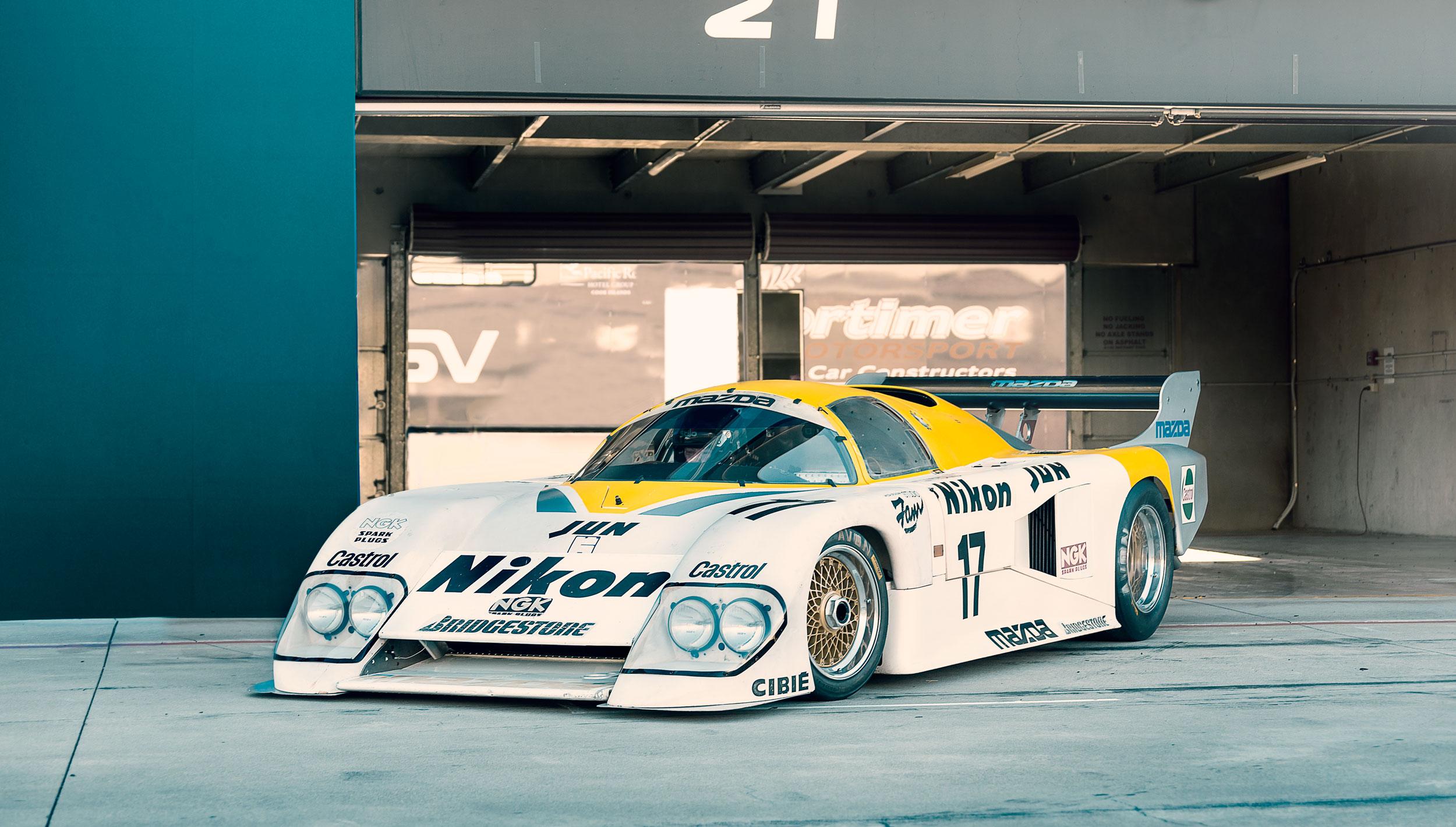pit lane-Mazdaspeed-84G-camleggettphoto.jpg