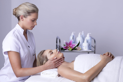 Emphasis is made on an extensive massage for all our facials. The strokes on every facial feature come with a blend of an Indian Ayurvedic style encouraging every cell & facial tissue's smooth functioning. The neck, shoulder and decloetage is also massaged to encourage overall blood circulation. Therefore the end result is skin that stays glowing for days.  Most of our facials include a scalp massage while we allow the mask to process.