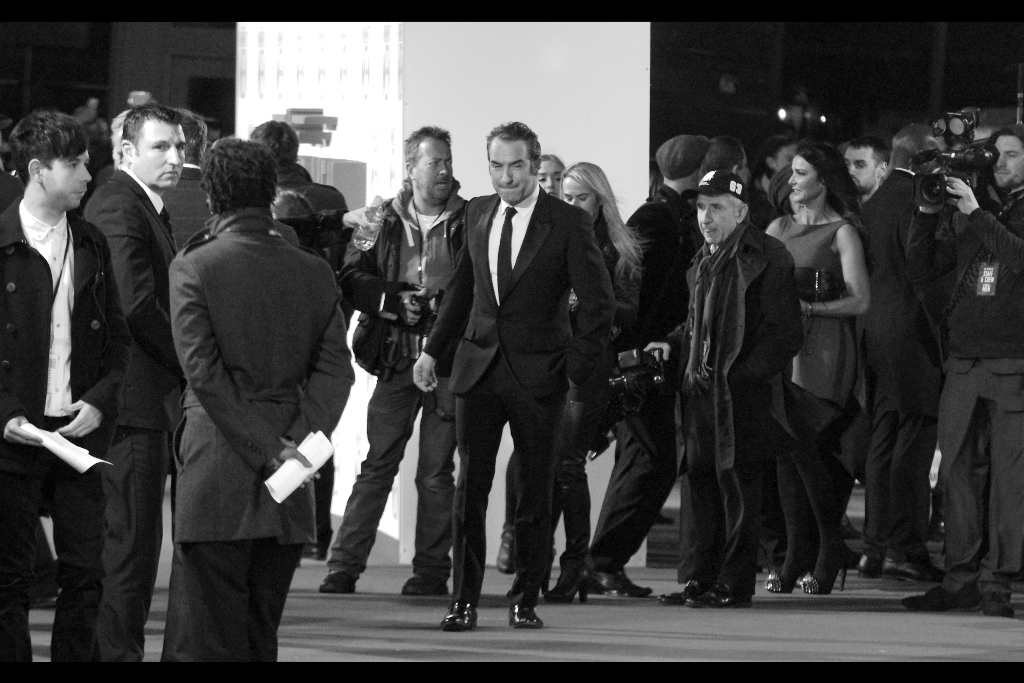 Two years ago  at the BAFTAS , I took my only photo of Jean Dujardin side-on as he waltzed past me and ended up winning a BAFTA and Oscar for Best Actor for 'The Artist'. Fortunately, he still looks good in black'n'white a few years later..