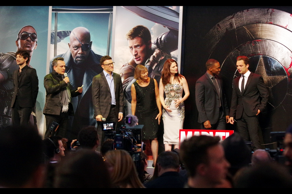 The cast reassemble on the stage to bask in the adulation of a movie nobody in the crowd has seen yet to be able to say whether it's any good yet (though I gotta say, as somebody who's now seen the trailer about six hundred times, it does look quite decent)