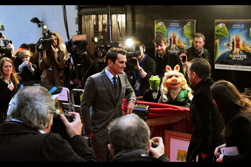Getting eye-contact with Miss Piggy is about as difficult as getting eye-contact from any lead actresses in a movie at a premiere (ie. very). Serious kudos to the puppeteer ('Muppeteer'?) who handled her - she stayed in character as a diva throughout the premiere, which was rather cool.
