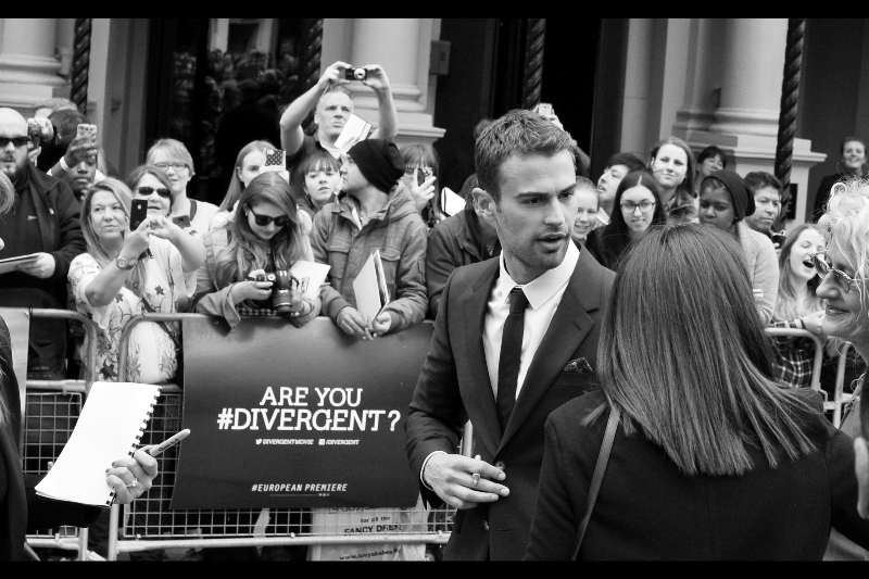 """""""Am I hashtag Divergent? What the hell does that mean?? Oh. Right. The movie I'm in""""  It's a mistake anyone can make."""