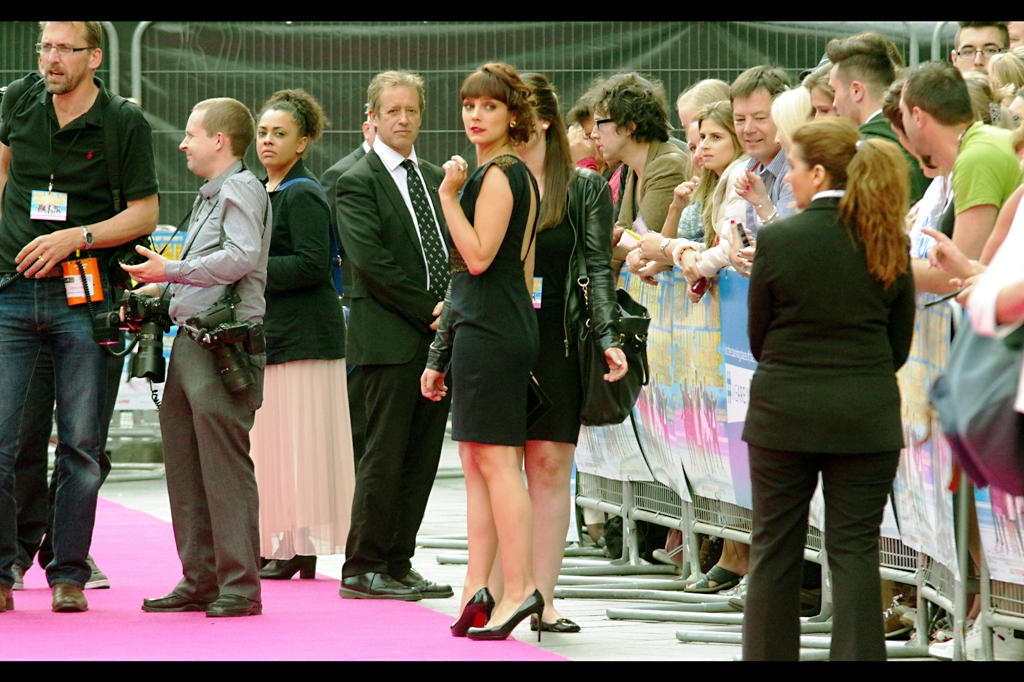 Up until last Monday at the Kevin Spacey premiere for the movie whose name I'm already having trouble remembering because it was half an essay long, I'd never heard of actress Annabel Scholey. Now.. I've photographed her twice.
