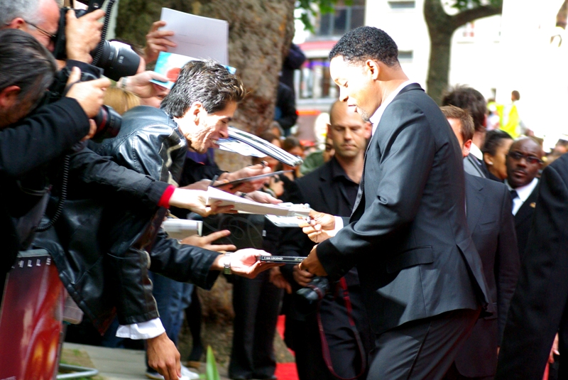 """I'll make this autograph out ""to eBay"" then, will I?"" . It's WILL SMITH!! I've photographed Will Smith!! (What do I win? When do I get blase about this?)"