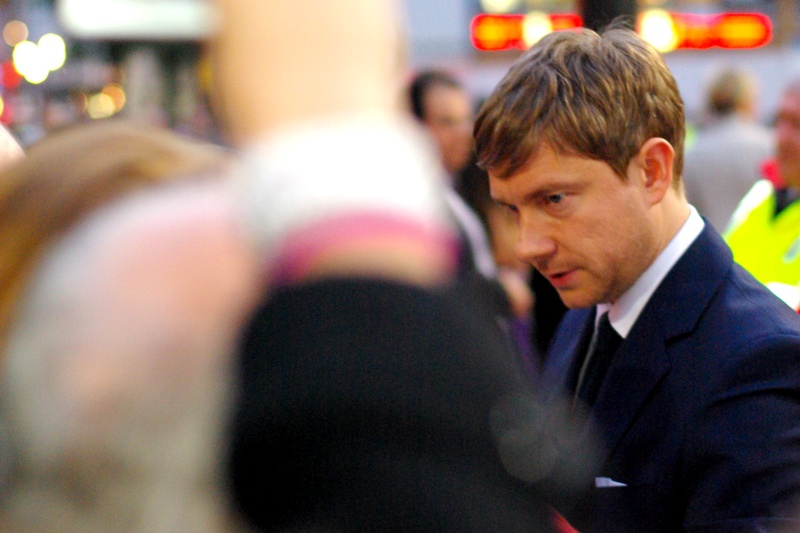 I don't know... but come on, you're wearing a suit on a red carpet. You must be somebody, right? (well.. .I mean we're all *somebody*... you know what I mean!) (Me, 2015 : is that MARTIN FREEMAN?)