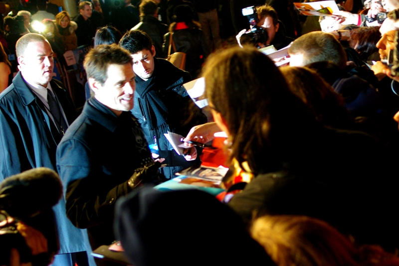 Awesomely, it looks like Jim Carrey is also signing the petition against his involvement in any Cable Guy sequels