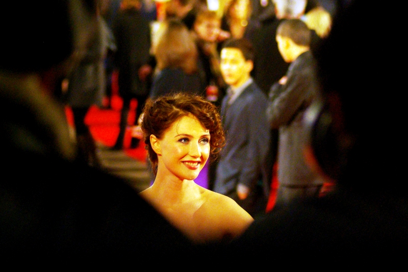 A celeb, and a pretty one, too! I'm going to say 'Natalie Portman' even though I know she isn't. (I believe she plays Tom Cruise's wife in the film) (edited to add : she's Carice Van Houten)