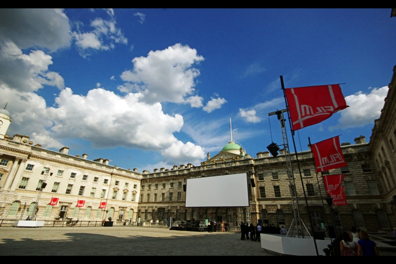 Not a lot of premieres take place in Somerset House, which is a pity it's a very nice location. That said, even when premieres DO take place at Somerset House, they don't take place here, but rather outside on the other side of the building.