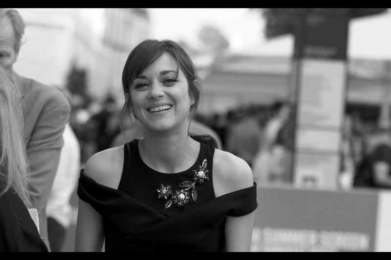 But to summarise, if summarising be necessary : Marion Cotillard is very pretty, very friendly, and very talented. And I? ... am only occasionally friendly.