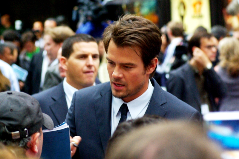 Actor Josh Duhamel, whom I can never quite accurately distinguish from actor Timothy Olyphant (from Deadwood and Die Hard 4.0). It's not a problem I need to deal with on a daily basis.