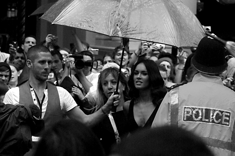 """Vocal male cheering a while earlier suggested that """"Actress"""" Megan Fox has shown up. (Did I swoon? Well... no. But I learned in the most devastating way imaginable that my camera appears to be female in that it staunchly preferred to not lock focus on her for some reason. We're still not on speaking terms...)"""