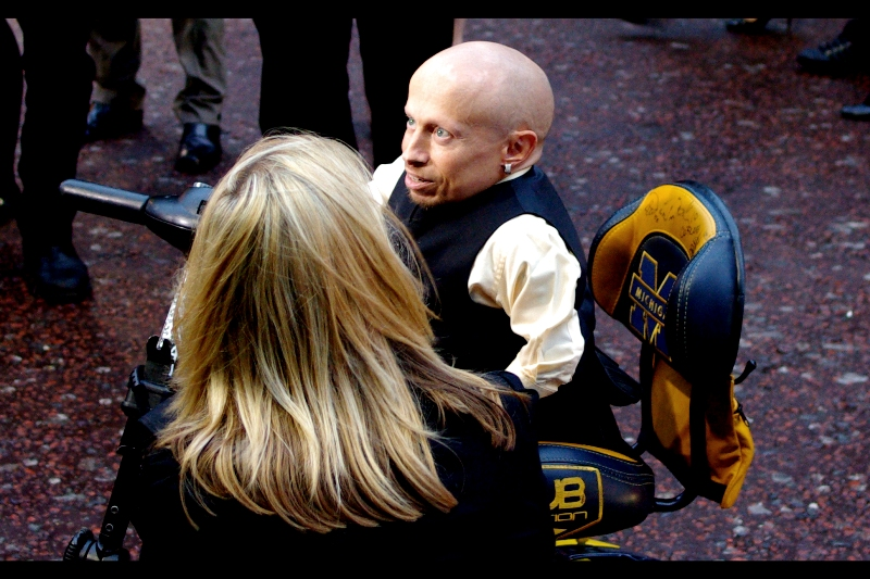 Verne Troyer is a good interview subject, however despite my close proximity I couldn't hear him over the noise of people screaming at Johnny Depp. Who wasn't here and wasn't scheduled to be here and accordingly didn't attend. People at premieres are... strange.