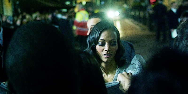 Zoe Saldana also played 'Uhura' in  JJ Abrams' Star Trek. That premiere was brilliant , with all cast members going out of their way to mingle with fans and sign autographs. Awesomely, this premiere was just as good (as for the film? who knows.... with a premiere this good, who cares?).