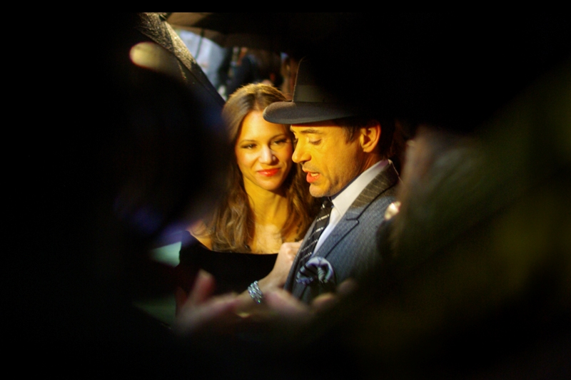 Robert and Mrs Downey Jnr, shot through the crooked elbow of another photographer. Gotta work those angles (and hey, it makes composing your shots a little easier by giving you less options)