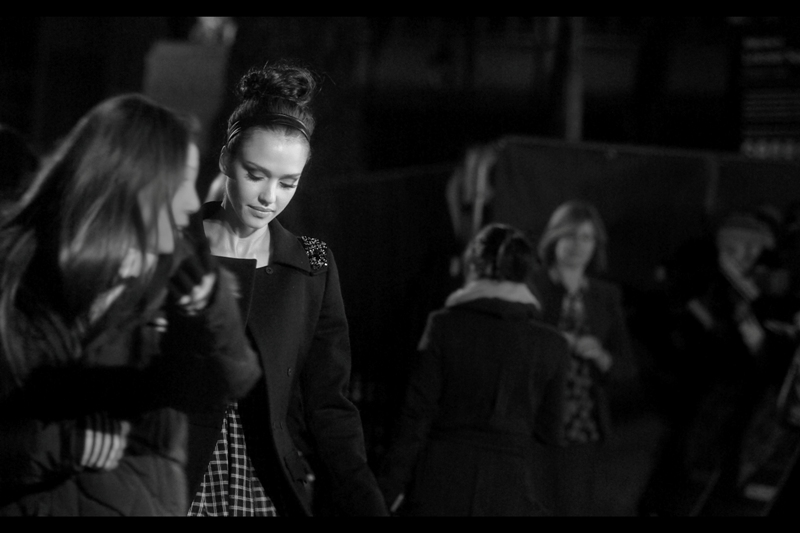 Jessica Alba, Stunning, and relaxed, at  the premiere of Valentines Day  in London