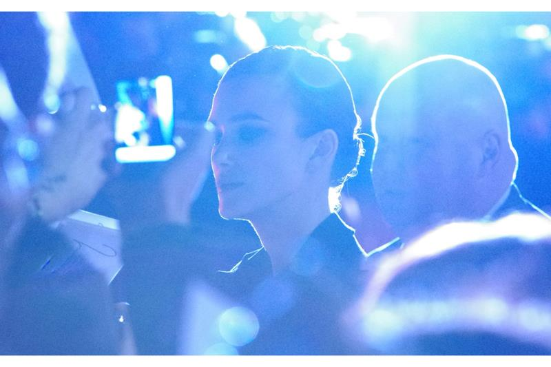 Definition of Unfairness? Part 2: This. (seriously - the Paps were using dozens of flashes to take a photo of her FROM BEHIND)