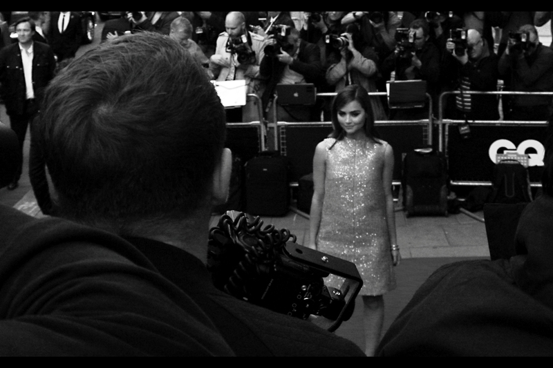 I'm rather sad to say that this is the best I managed of actress Jenna Coleman of Dr Who fame... the Nikon autofocus seemed rather taken by the lustrous hair of the photographer as I was shooting high-and-blind. Sigh... and Samuel L Jackson, talented but nowhere as pretty ....is razor-sharp like you could cut blocks of railway sleepers from in no less than two photo....