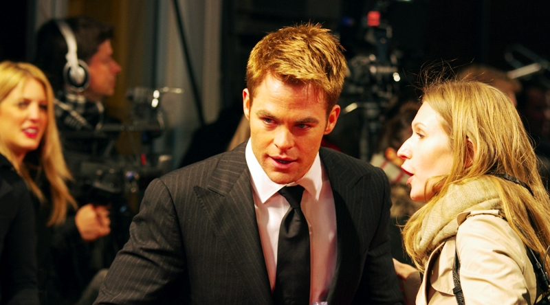 """Main Arrival 1: Chris Pine played James T Kirk in """"JJ Abrams Star Trek (2009)"""" . He's very... erm.... focussed? Still, I got kids in the pen with me (?) and even focussed stars like kids, right?"""