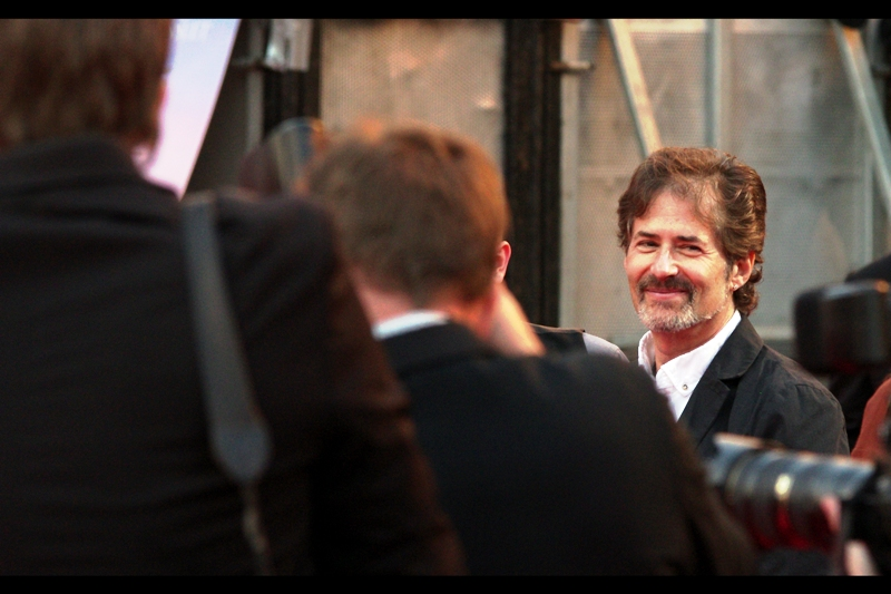 This fine gentleman, who in any other crowd might go unnoticed, is James Horner, the man who composed the score for the film (which remains the highest selling orchestral score of all time). He has won two Oscars (for Titanic and Glory) plus 8 additional nominations (Apollo 13 no doubt among them). My fave track of his remains 'Battle in the Mutara Nebula' from Star Trek II : The Wrath of Khan (true story!)